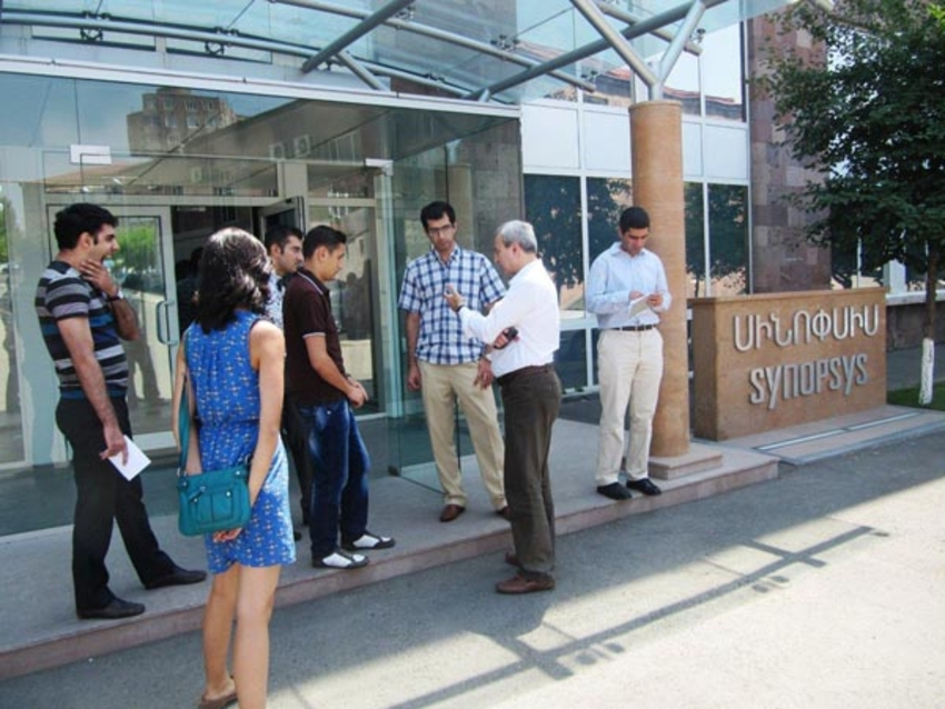 """Luys"" Foundation students visited Synopsys Armenia"