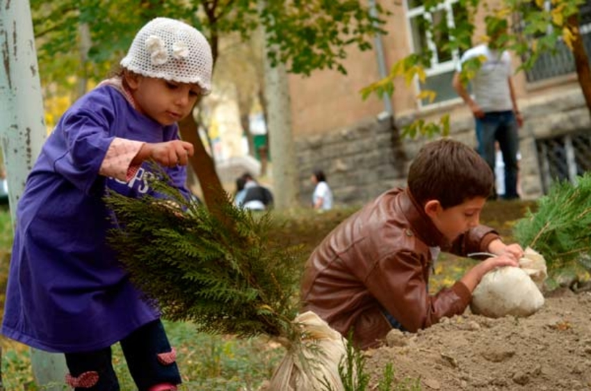 kids planting trees in Armenia